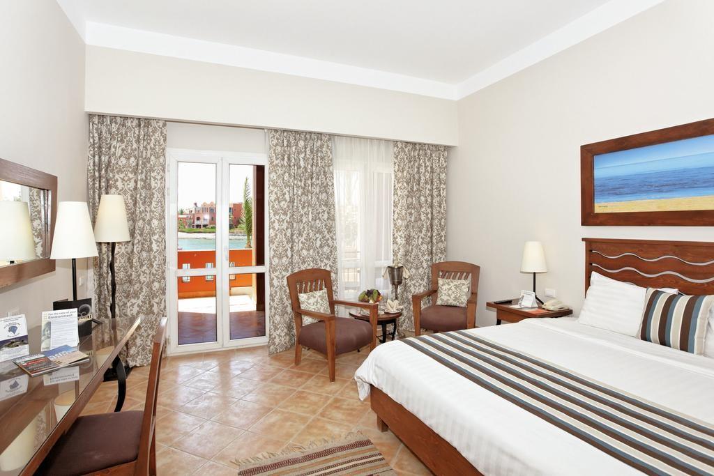 فندق ثرى كورنرز أوشن فيو الجونة